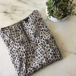 Ann Taylor Long-Sleeve Cheetah Print Top, Size 6